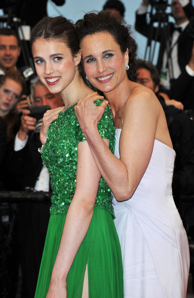 Margaret Qualley y Andie Macdowell